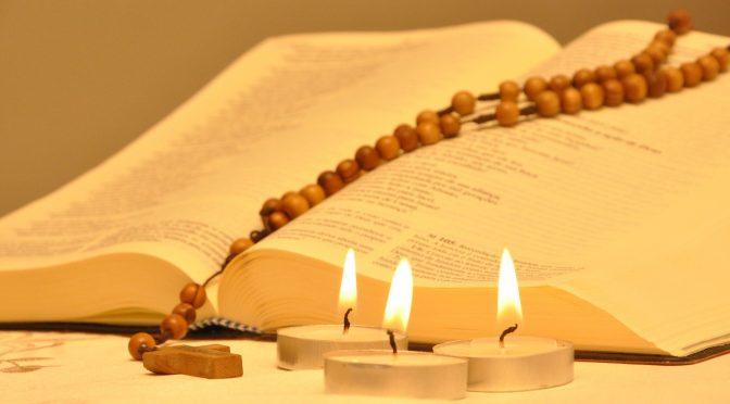 Październik – miesiącem modlitwy różańcowej